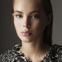 Fashion makeup by Maya Lewis